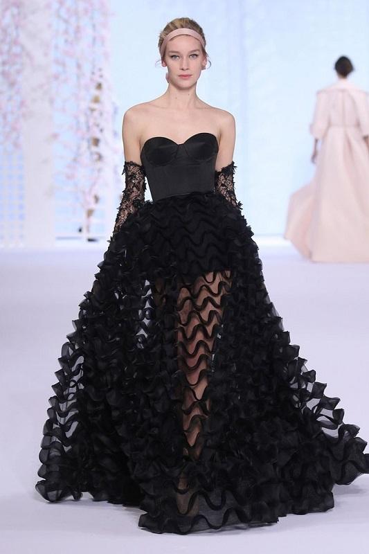 Сватбена рокля от колекцията на Ralph Russo.