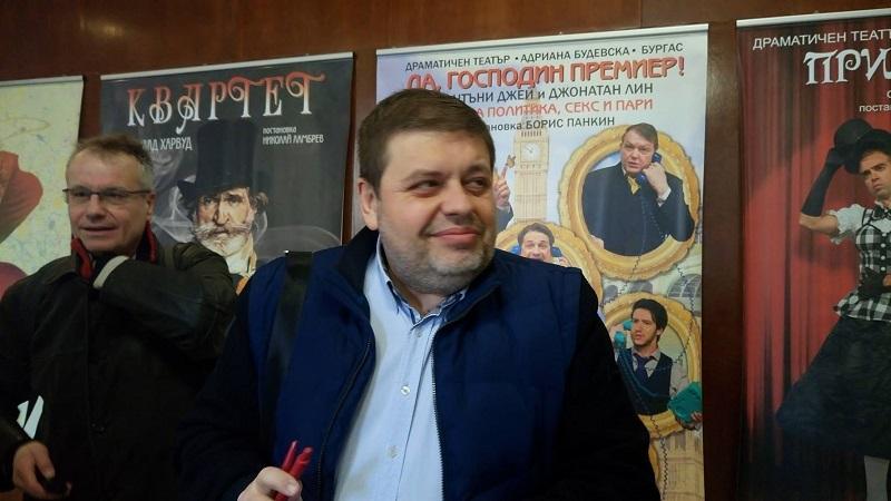 Евгений Мосинов не иска в парламента, смята да изкара мандата си като общински съветник.