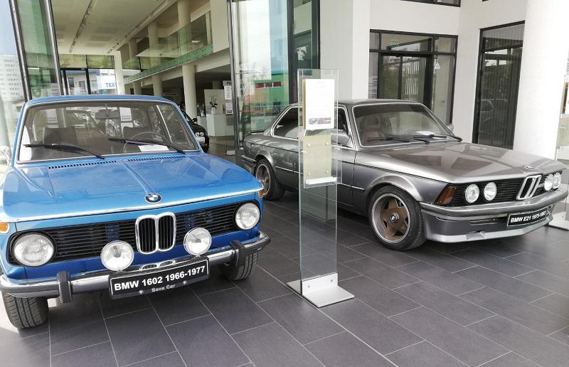 Малко преди първият автомобил от Серия 3.