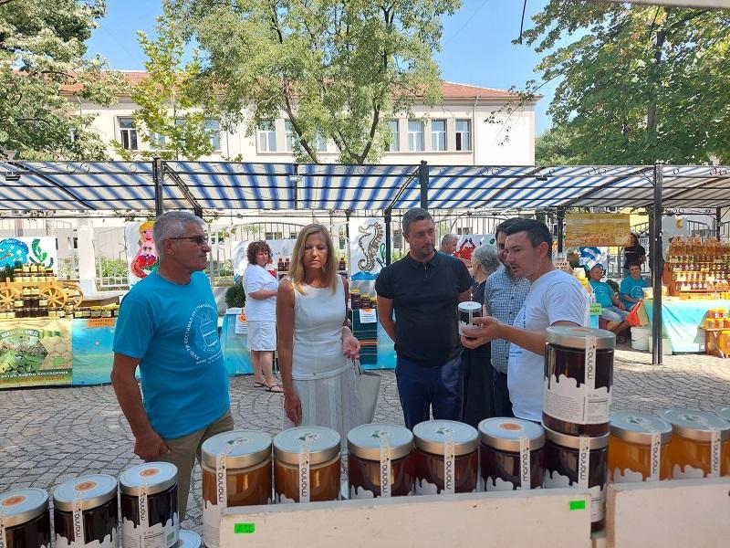 Фестивалът на странджанския манов мед събра за 18-ти път пчеларите от региона