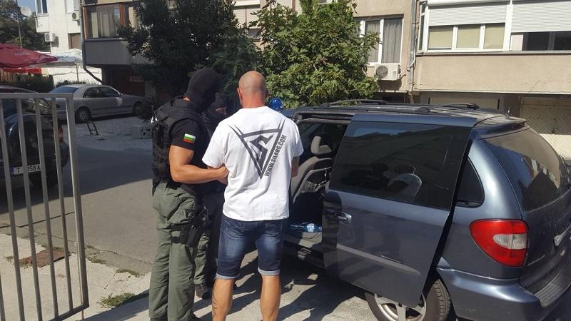 12 задържани при нова акция на ГДБОП в Бургаско
