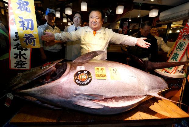 Японец плати 632 хиляди долара за гигантска риба тон