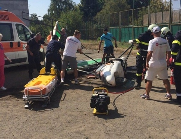 Делтапланер падна в Казанлък, двама загинаха