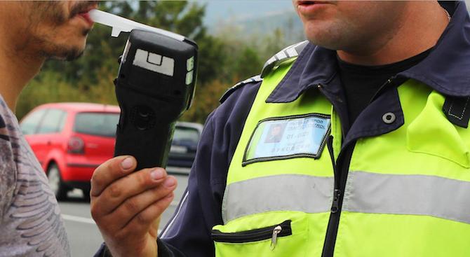 30 акта и 36 фиша след акция на полицията в Поморие и Несебър