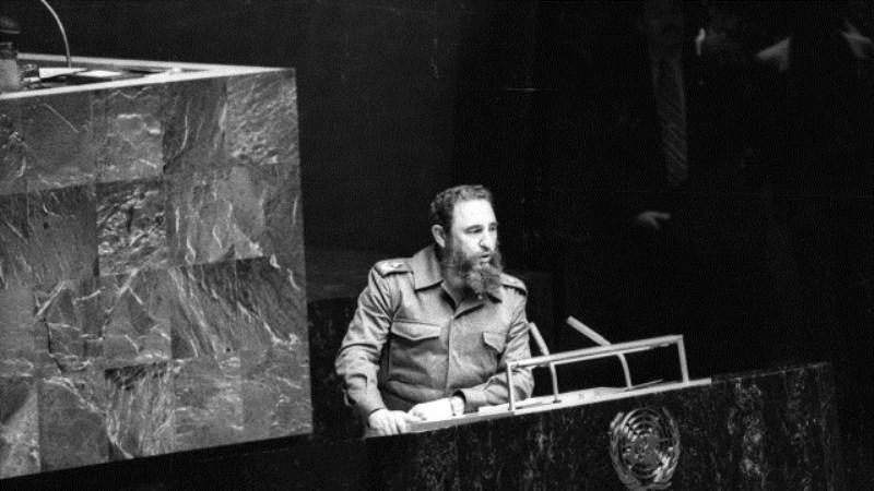Световни лидери изразиха почит към паметта на Фидел Кастро