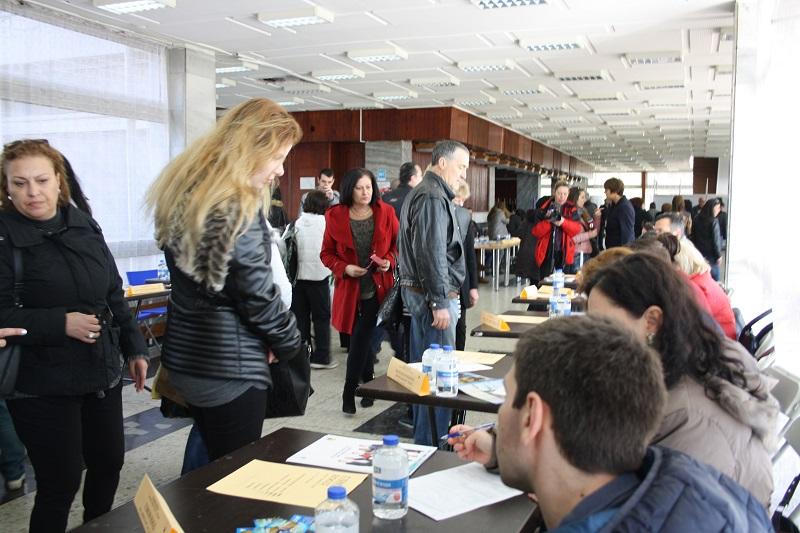 Работодатели от туризма търсят служители на голяма борса в Бургас