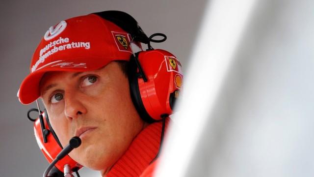 Шумахер е преместен спешно в болница в Париж