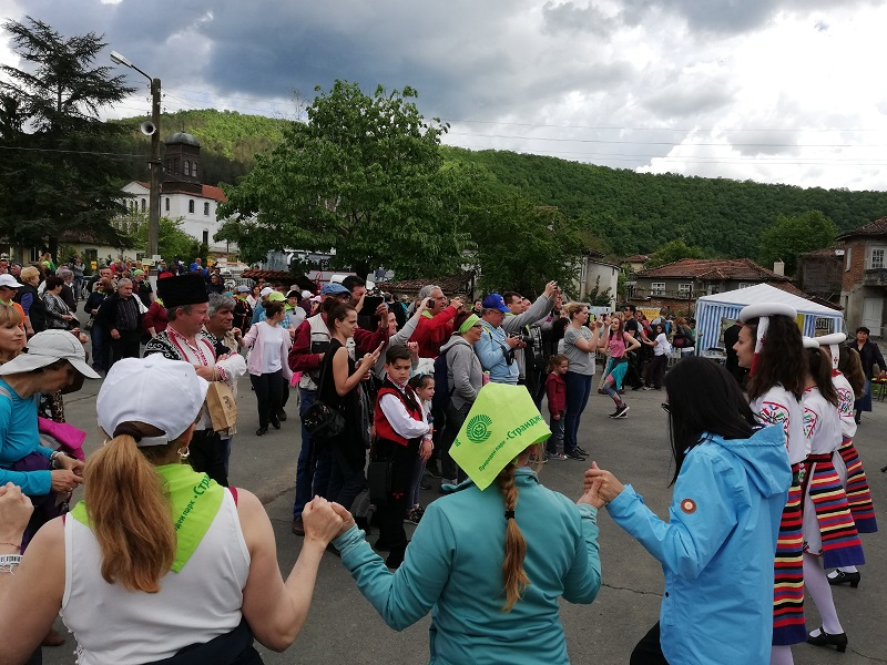 Слънце, дъжд и стотици ентусиасти на Фестивала на Странджанската зеленика