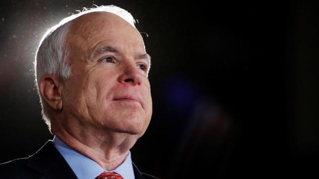 Почина Джон Маккейн, сенатор и кандидат за президент на САЩ