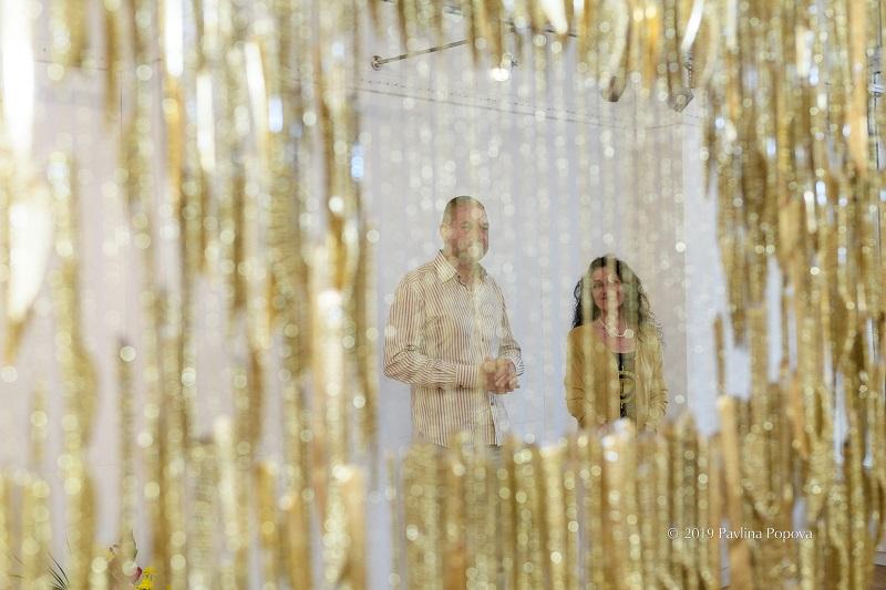 Златен дъжд от ножове – митът за Даная през погледа на бургаската художничка Дора Славова