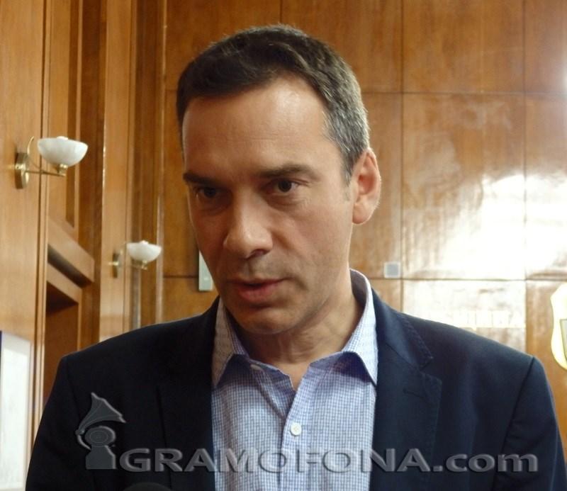 Николов: Затварям достъпа до пенсионерски клубове, зали, музеи, университети в Бургас