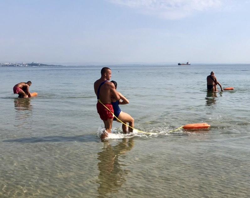 Спасители в Крайморие с показно как се спасява удавник
