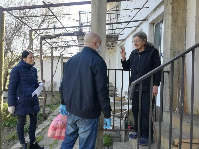 В община Созопол започнаха да раздават хранителни пакети на най-нуждаещите се
