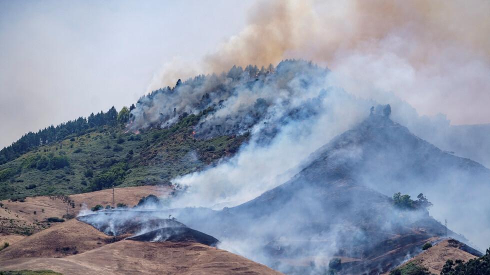Огромен пожар на остров Гран Канария