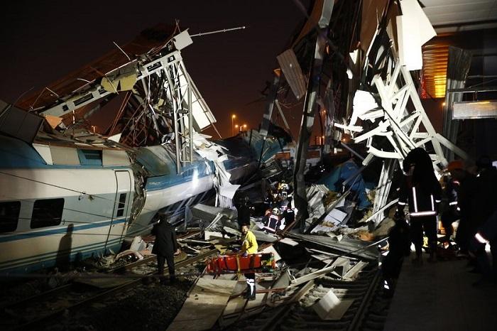 Тежка влакова катастрофа в Турция, има жертви
