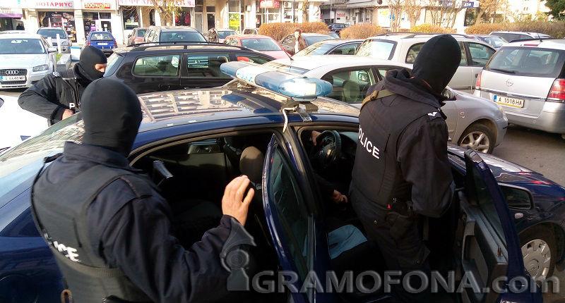 Полицейска акция срещу крадци в Бургас
