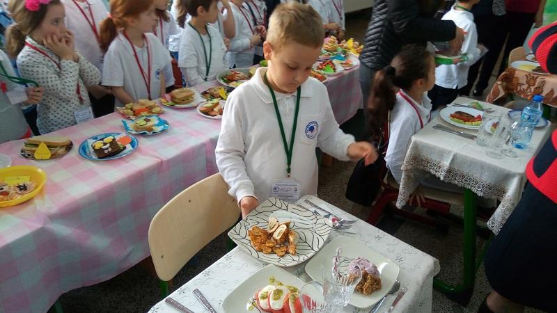Първокласници готвят здравословно и вкусно