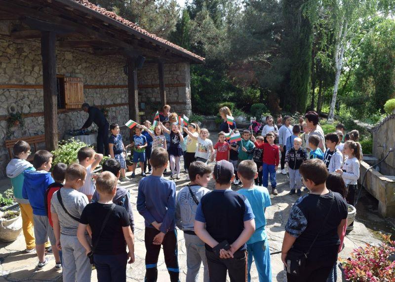 Българово отбелязва геноцида над българския народ