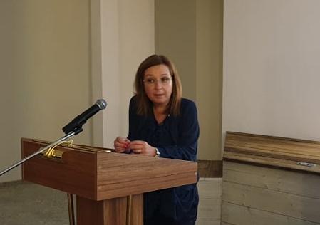 Зорница Русинова: Държавата няма да отнема деца