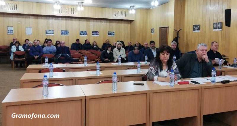 Изненада: Няма кой да приеме бюджета на община Средец