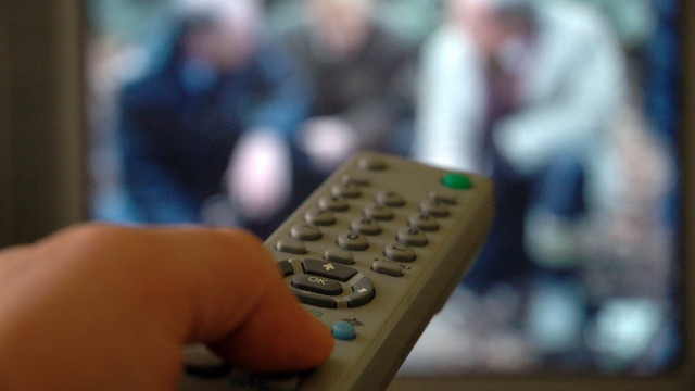 Турските власти закриха над 20 телевизии и радиостанции