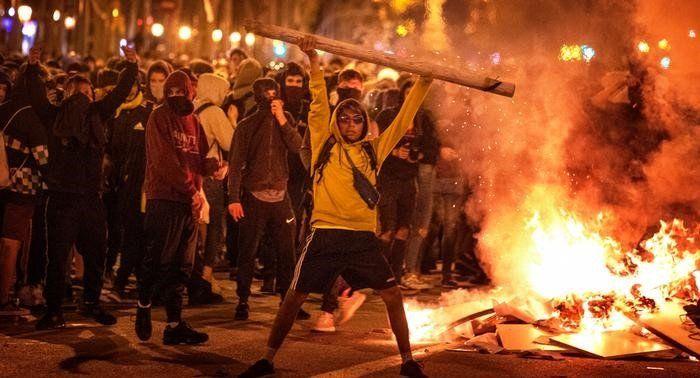 Барселона на бунт