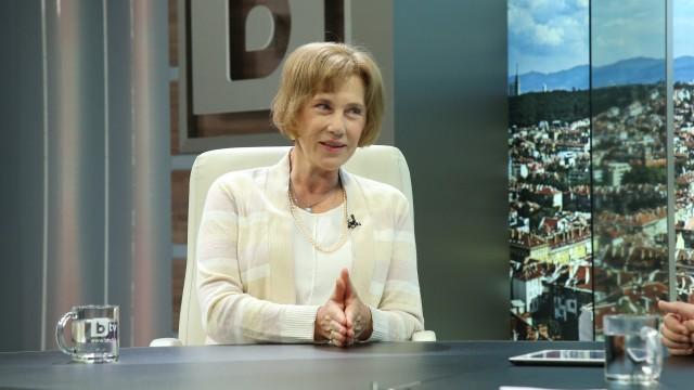 Елена Поптодорова подаде оставка от поста си във Варшава