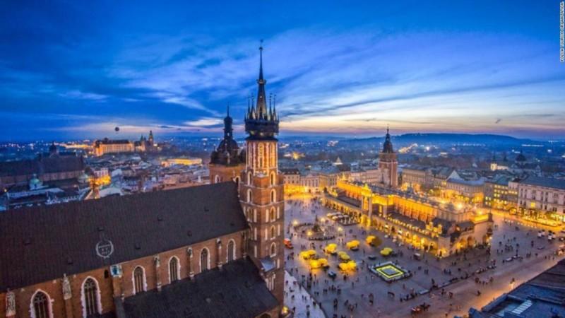 В Полша гласуват за нов президент
