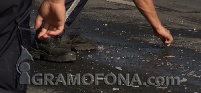 Бургазлия катастрофира с пълна с незаконни цигари кола