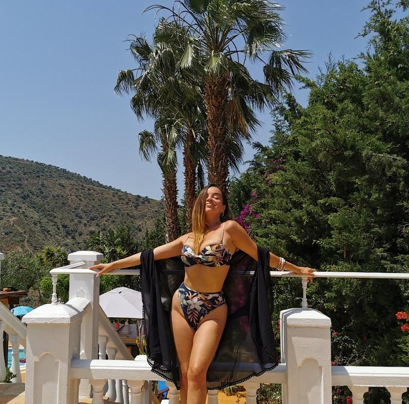 Усещане за бургаско лято в испанския клип на Zandra Vox