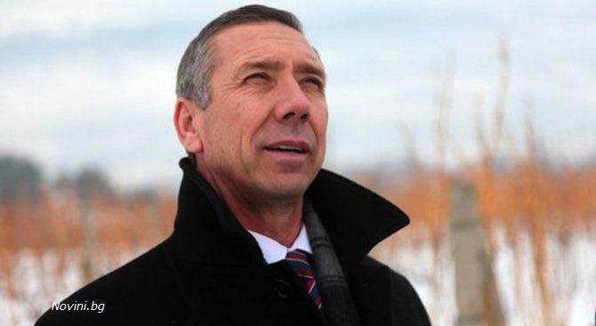 Белезници за бивш кмет и ексдепутат, купувал гласове