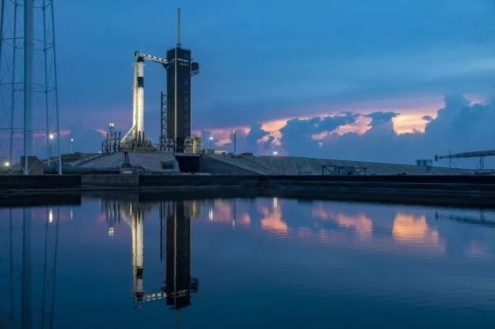 Успешен исторически старт на SpaceX и НАСА