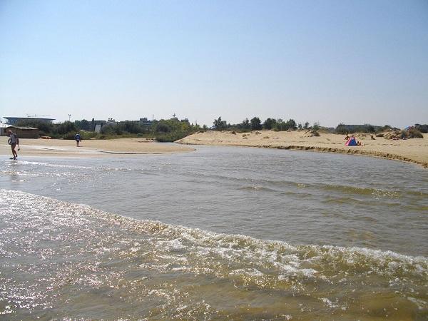 Заблатяване на река Хаджийска стресна туристи