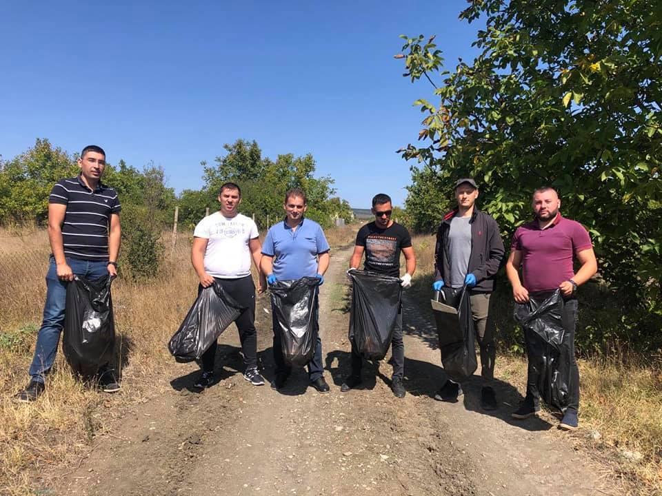 Депутат заедно с младежи от ДПС-Бургас дадоха пример за опазване на природата
