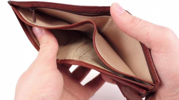 Евростат: Всеки трети българин не може да плаща сметките си навреме