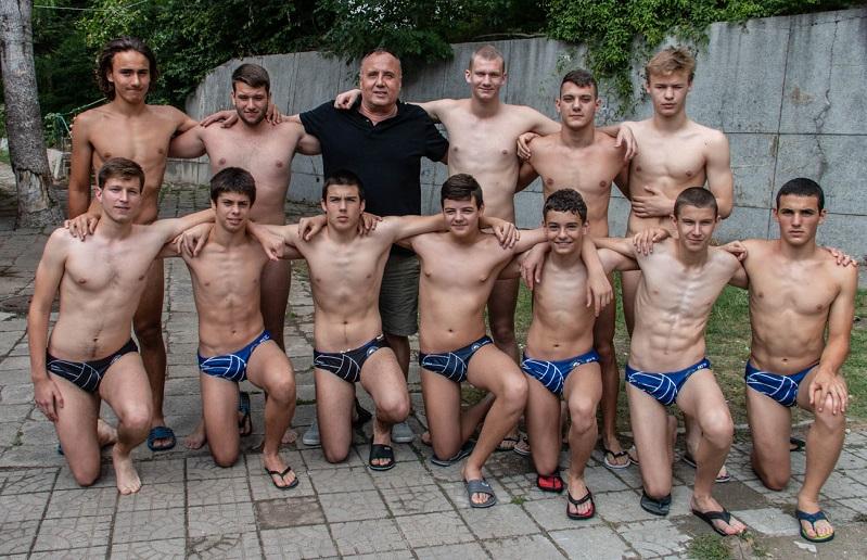 Ватерполистите на Черноморец извоюваха бронзовите медали в старшата възраст