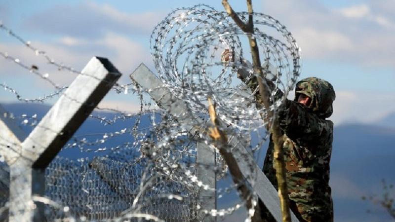 Сърбия праща военни и полиция на границата с България