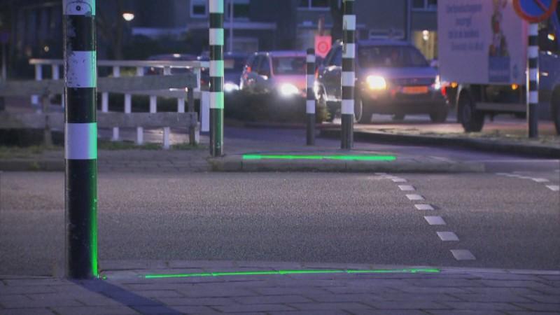 """В Холандия поставиха светофари за """"зомби"""" потребители на мобилни телефони"""
