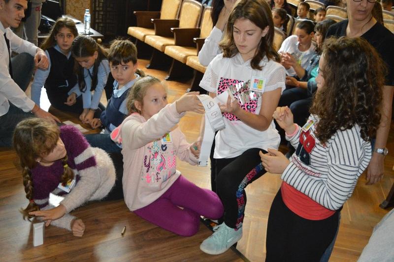 Бургаски ученици показаха що е то толерантност