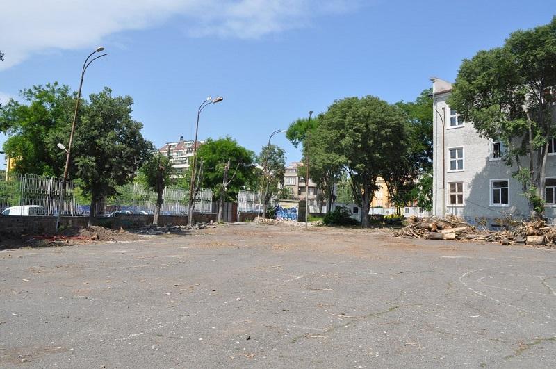 Превръщат двора на СОУ Св. Св. Кирил и Методий в спортен център на открито