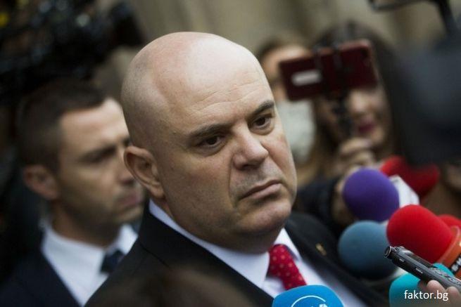 Висшият съдебен съвет решава за отстраняването на главния прокурор