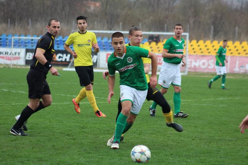 Нефтохимик U19 и Ботев /Пловдив/ U19 не успяха да излъчат победител