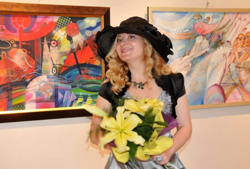 Изложба в памет на слънчевата художничка Лора