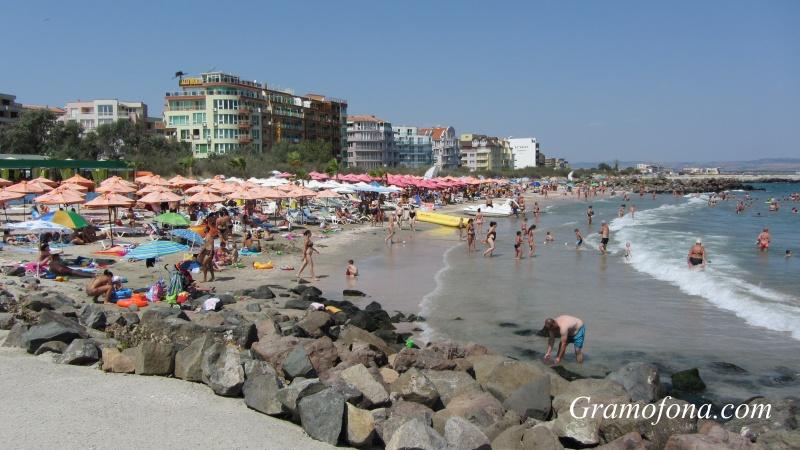 Над 290 000 българи ще почиват в родни курорти за Деня на независимостта