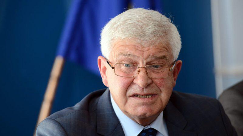 Здравният министър Ананиев в конфликт на интереси заради болница в Бургас?