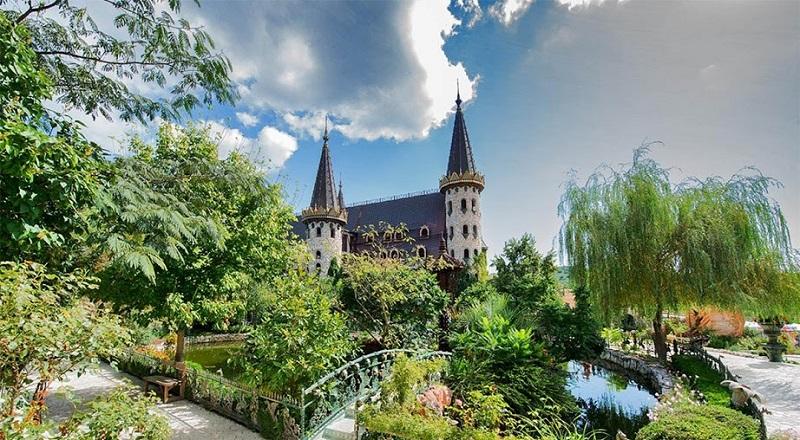 """Замъкът в Равадиново води в престижната международна класация """"Най-добри световни дестинации"""""""