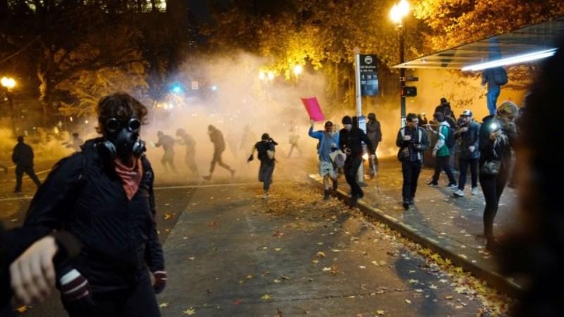 Стрелба окървави протест срещу Тръмп в Портланд