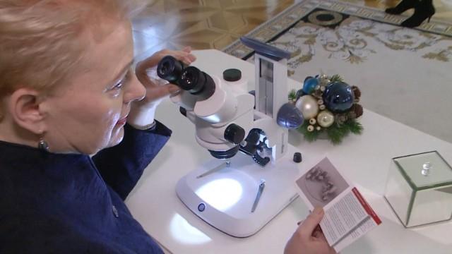 Папа Франциск получи коледен подарък, колкото човешка клетка