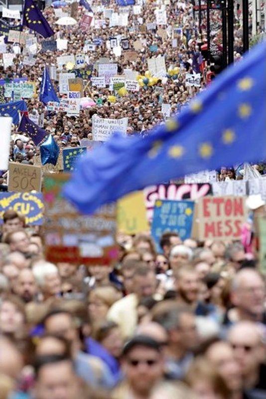 Хиляди излязоха на анти- брекзит протест в Лондон