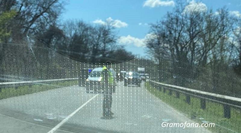 Каналджии опитали да минат през пост на Гранична полиция, хванаха ги преди Китен